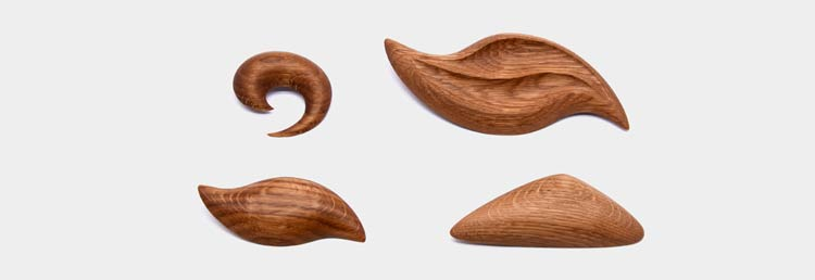 Oak brooches